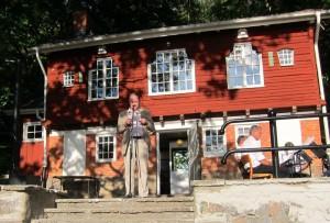 Stadsbyggnadsnämndens ordf Anders Samuelsson invigningstalar